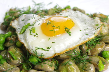 boiled broad bean with fried egg