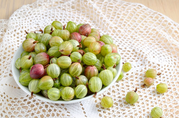 Gooseberry in a bowl.