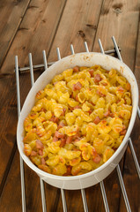 Paked pasta with ham, eggs