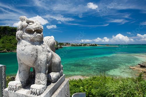 Fotobehang Kust 沖縄の海・海とシーサー
