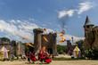 Leinwanddruck Bild - Les Chevaliers et l'attaque du château du Puy du Fou