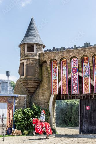 Le Chevalier et le château du Puy du Fou - 67109186