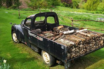 livraison de bois à l'ancienne