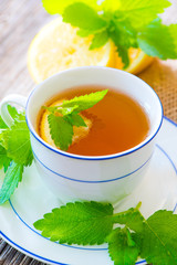 Tea (melissa officinalis)