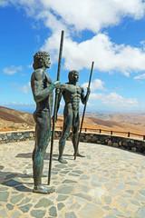 Bronzestatuen von Ayose und Guize