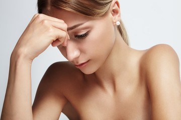 thinking woman, headpain portrait