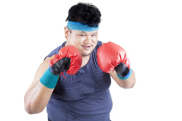 Overweight man ready to boxing 1