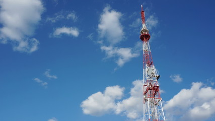 Large telecommunication tower time-lapse