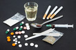Drogenmissbrauch - 67171930