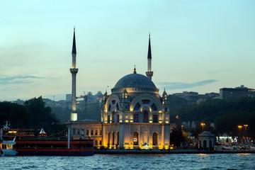 Ortakoy mosque Bosphorus, Istanbul, Turkey