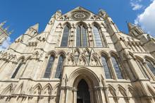 Vieille cathédrale anglais dans le centre-ville
