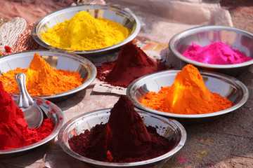 Colorful powder pigments