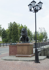 Lion and lamp near Pusklinsky bridge