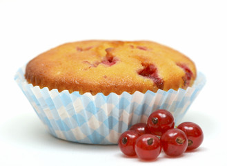 Muffin with red currants
