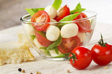 Salad Caprese and bread