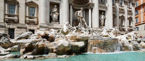 Fountain di Trevi - famous Rome's place