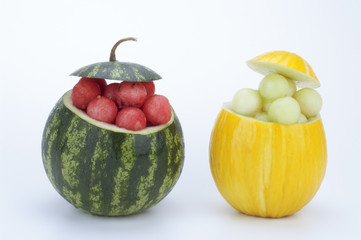 ciotole di angurie e melone con bocconcini