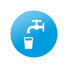 Etiqueta redonda agua potable