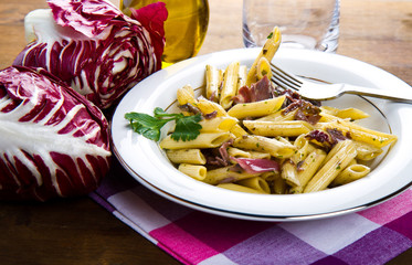 pasta with chicory and bacon