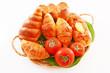 新鮮なトマトとパン