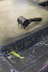 Walze auf einem Lithografiestein