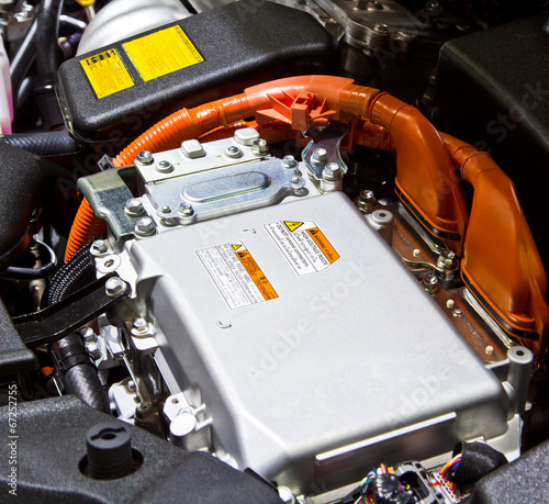 Battery and hybrid engine - 67252755