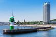Leinwanddruck Bild - Hafeneinfahrt