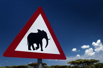 Verkehrsschild Warnung Elefanten , Chobe in Botswana