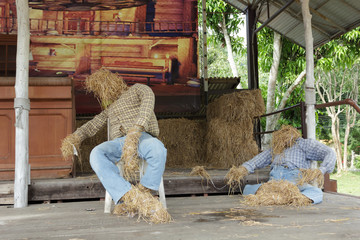 Puppets made ​​of straw