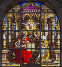 Bruxelles - Sainte-Trinité sur windwopane à r. Michales cathédrale