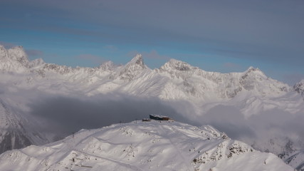 Mountain top infrastructure Ischgl time lapse tracking