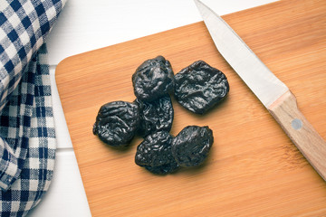 pitted prunes