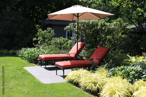 Papiers peints Jardin Garden lounge chairs
