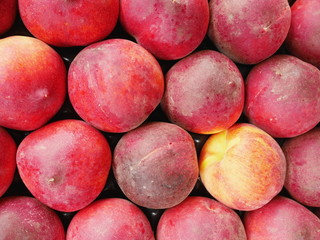 Peaches market organic