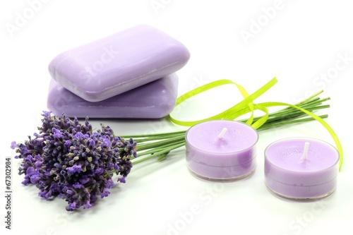Foto op Canvas Lavendel verschiedene Lavendelprodukte isoliert auf weißem Hintergrund