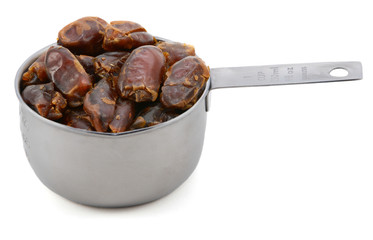 Sticky whole dates in an American cup measure