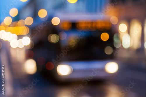 Aluminium Licht, schaduw nächtlicher Straßenverkehr defokussiert