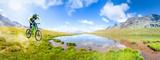 Fototapety discesa in alta montagna con laghetto