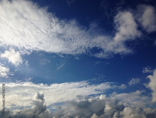 canvas print picture Wolkenzug am blauen Himmel