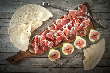 Fresh Figs With Ham