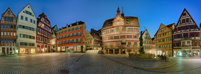 Tübingen Marktplatz Rathaus beleuchtet Panorama