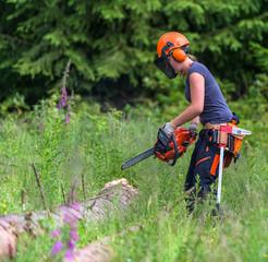 Waldarbeiterin