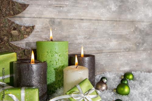 Leinwandbild Motiv Vier Adventskerzen: Weihnachten Dekoration in grün