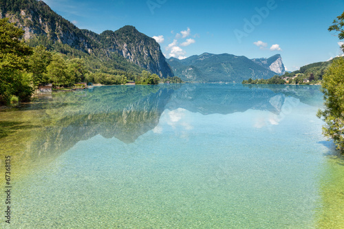 Foto op Canvas Alpen Mondsee lake in Austria