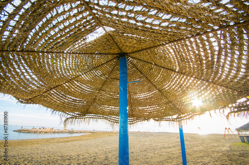 straw beach umbrella - 67381900