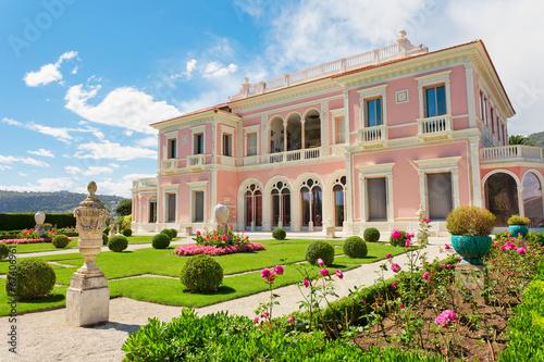 Leinwanddruck Bild Garden in Villa Ephrussi de Rothschild, Saint-Jean-Cap-Ferrat