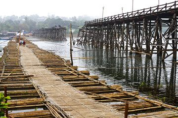 use bamboo bridge crossing