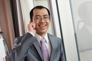 businessman using cellphon