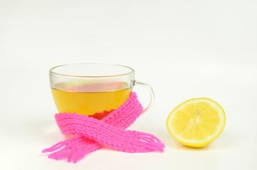 Kräutertee und Zitrone, starke Abwehrkräfte