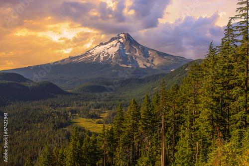 Beautiful Vista of Mount Hood in Oregon, USA. © Josemaria Toscano